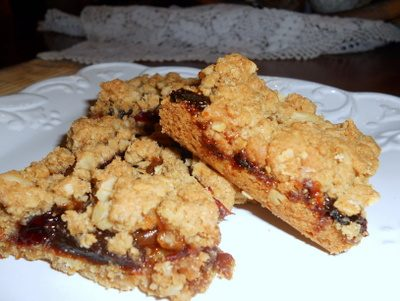 Oatmeal Raisin Cranberry Bars, When You Absolutely, Positively Have to Go Out in the Heat to Support the Troops