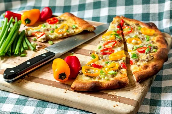 a Sausage Gravy Pizza #breadbakers-4