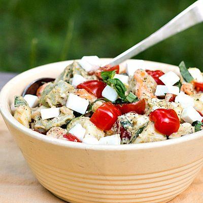 Tortellini Caprese Salad with Sabra Basil Pesto Hummus| National Hummus Day