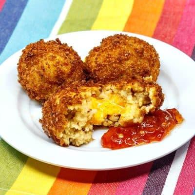 Pimento Cheese Stuffed Grits Arancini | Fancy Southern Appetizer!